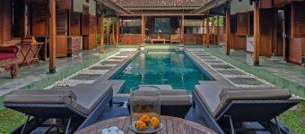 Dijual Villa di Brawa Arsitektur Jawa Joglo