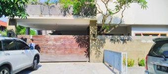 Dijual Rumah Moh Yamin Renon dengan Design Modern Minimalis